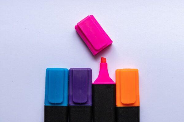 Cum il inveti culorile VI + motricitate fina