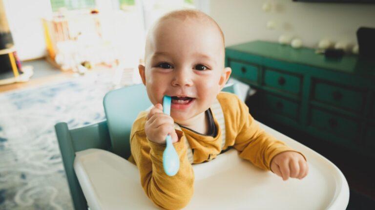 Copilul cu dintii grebla