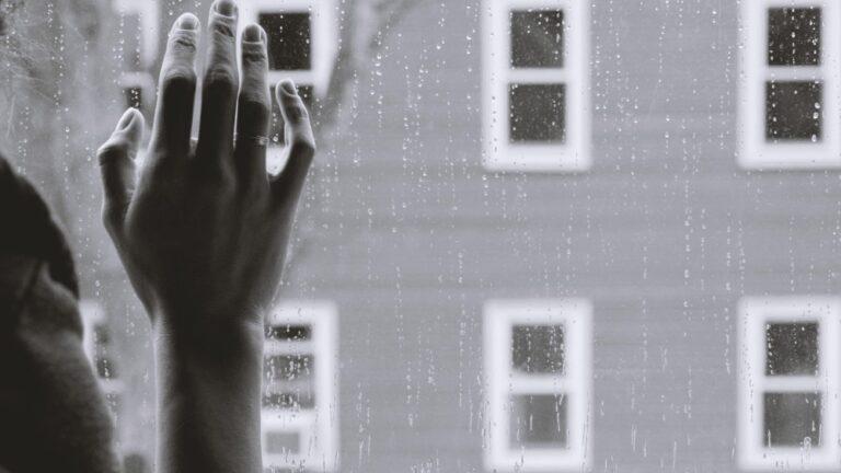 Zidurile traumelor trăite și nevindecate