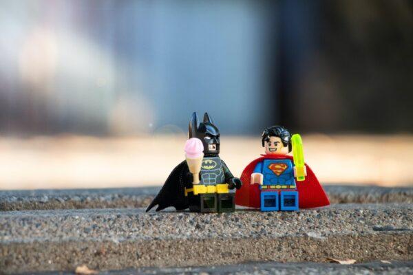 Cu SuperBatman-ul meu la filmul cu ponei (P)