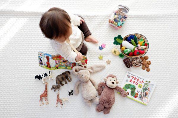 Cum sa ne jucam cu un bebelus (6-12 luni)
