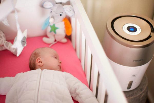 Umidificatorul Philips are grijă de aerul pe care îl respiră copilul tău (P)