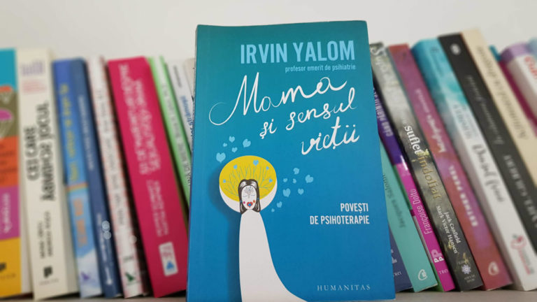 """Cartea """"Mama și sensul vieții"""" scrisă de Irvin Yalom reprezintă o colecție de 6 povești care redau procese de psihoterapie ale unor cazuri reale."""