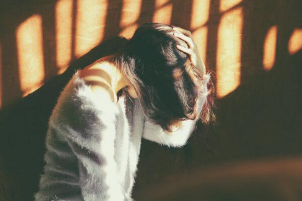 De ce și când relațiile intime scot din noi atât de multă durere?
